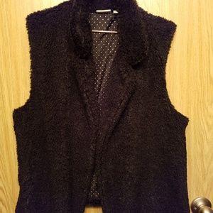 14 th & Union Cozy Faux Fur,  woman's Vest Size